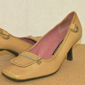 For those who are not afraid 2 wear Mustard Heels